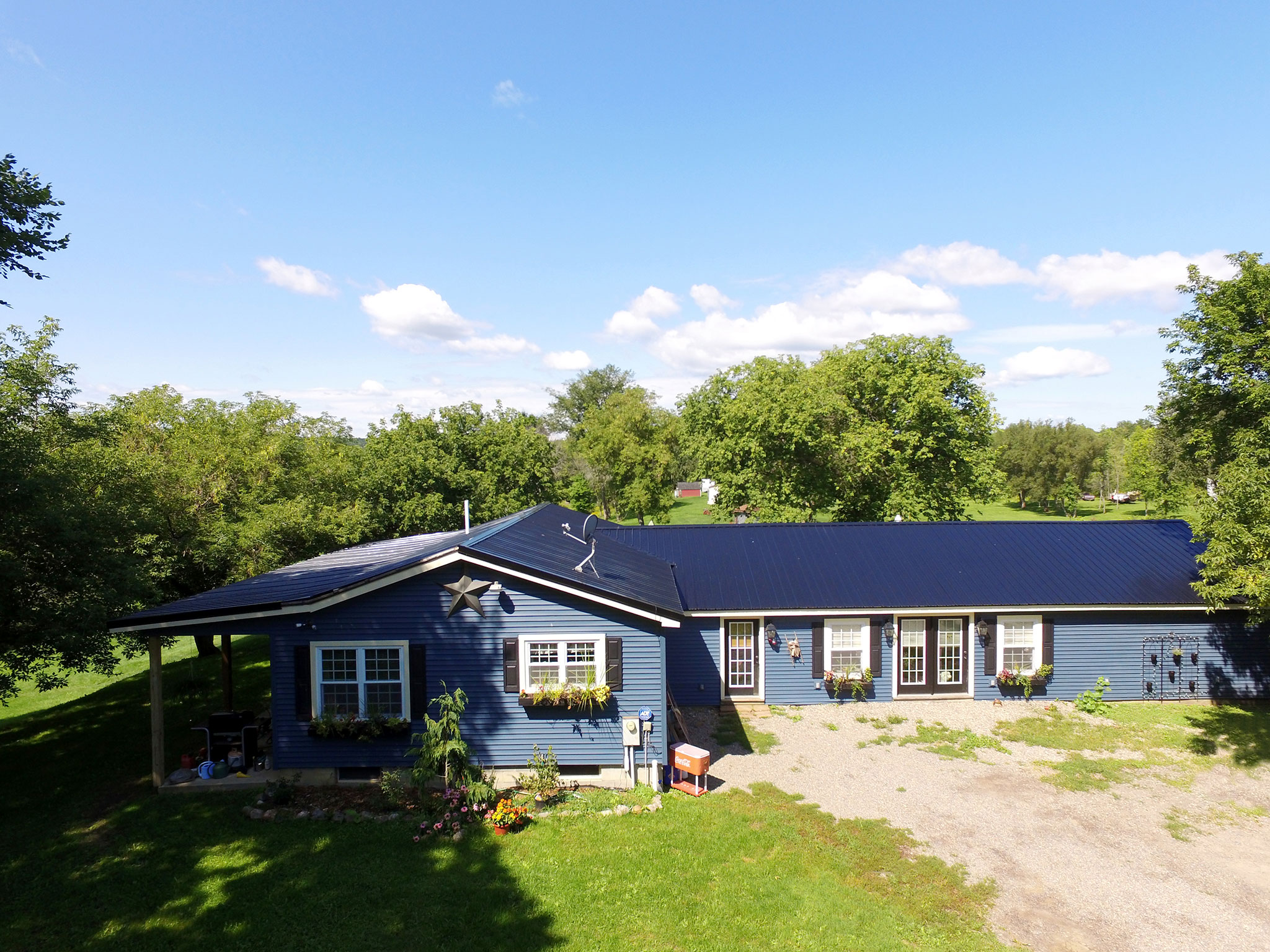 Aerial photo of front of house at property in Canajoharie, New York.